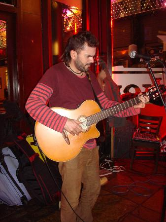 Mercado Tapas: live music