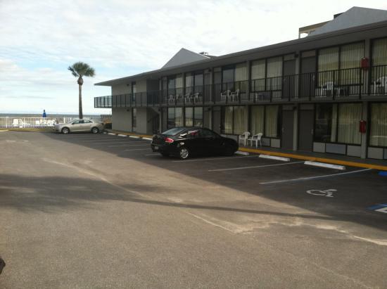 Beachside Motel: Just a quiet, comfortable beach motel