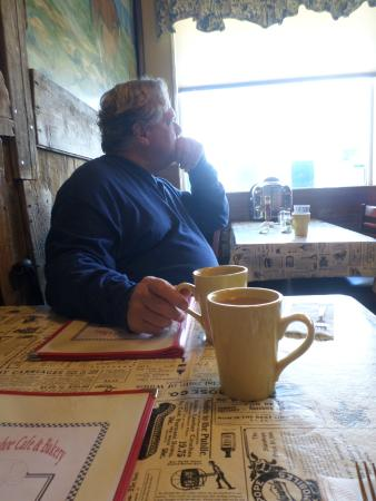 Horseshoe Cafe : waiting in peace...