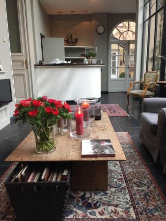 Hotel Ter Duinen: A place to sit and plan our day in Bruges
