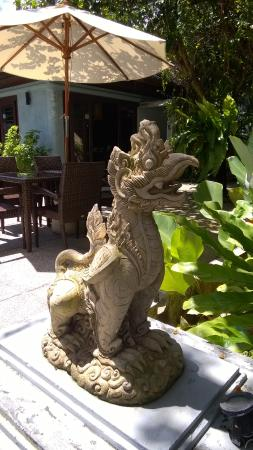 Samui Heritage Resort: On of the dragons of the house