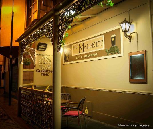 The Market Bar: Smoking Area