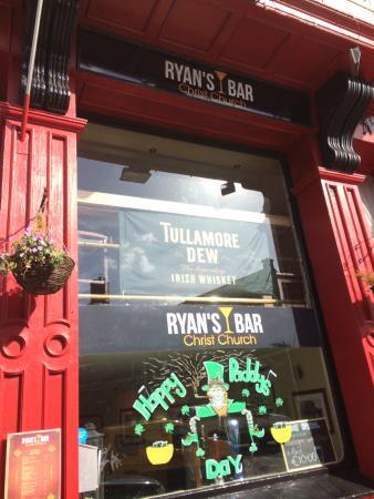 Ryans Bar