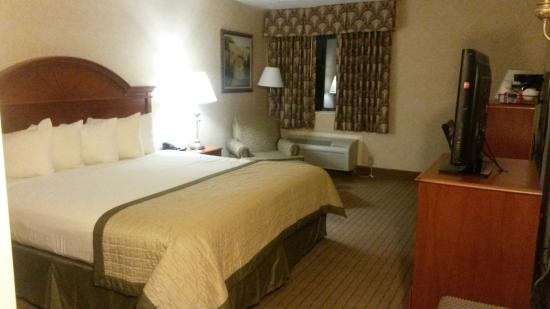 Baymont Inn & Suites Indianapolis West: My room