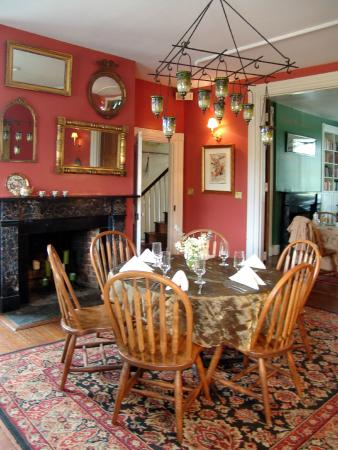 The Inn at Brome Howard: The Red Dining Area