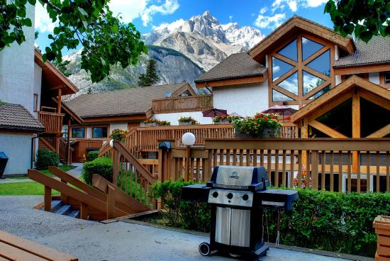 Banff Rocky Mountain Resort: Main Building with BBQ access to guests