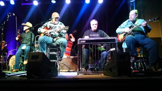 3rd and Lindsley: Kenny Sears on Fiddle, Vince Gill on guitar and vocals, Paul Franklin on steel and Andy Reiss gu