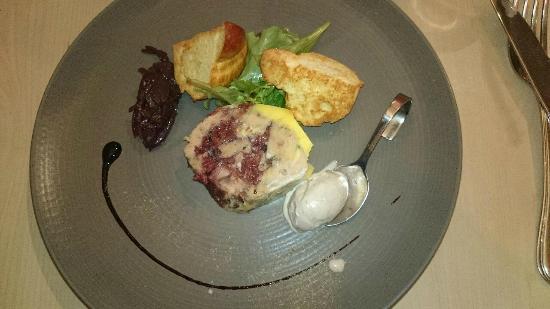 L'Aromate: Médaillon de foie gras