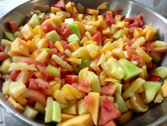 Mendon Mountainview Lodge: fresh fruit served daily