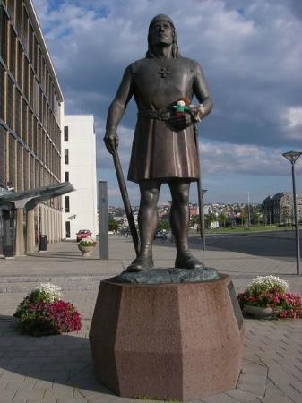 Leiv Eiriksson Statue