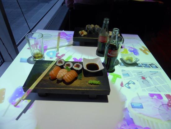 Izkaya Asian Touch Table Restaurant : Sushi