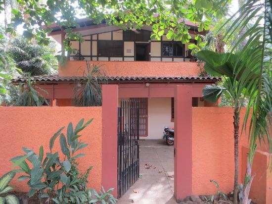 Iguana Inn: Entrada principal