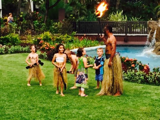 Radisson Blu Resort Fiji Denarau Island: Kids can participate in torch lighting festival