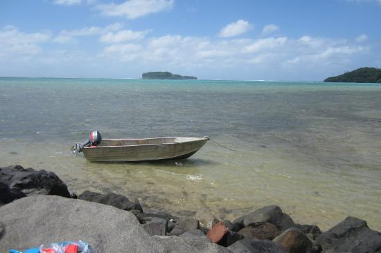 Namua Island Resort: The boat you take from the mainland