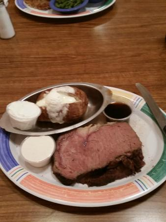 Town & Country Restaurant: Prime Rib served nightly