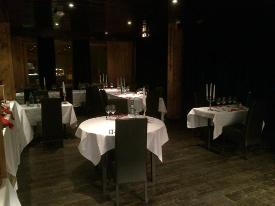 Hotel Le Mottaret: Intimate dining room