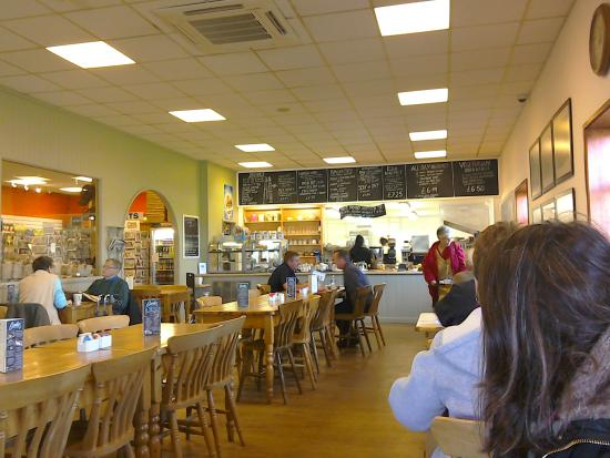 Pulham Market, UK: Its quite big,shame about the food