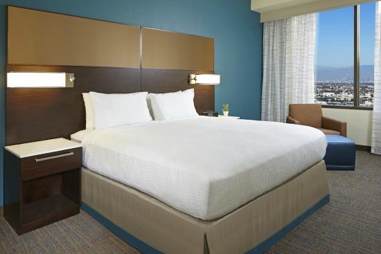 los angeles lax century boulevard two bedroom suite one king bedroom