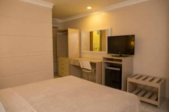 Atalanta Hotel: QUARTO HOTEL