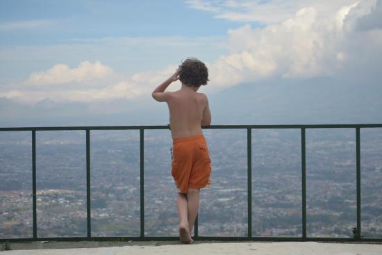 Hotel Linda Vista: Looking at San Jose