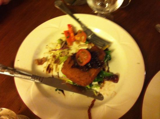 The Fox: Goats cheese starter with salad
