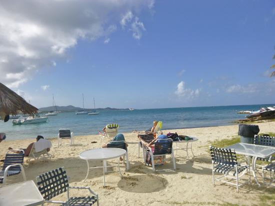 Hotel on the Cay : HOTC Beach & Restaurant on C'sted Harborside