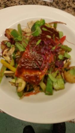 Goole, UK: Sweet chilli salmon stir fry with sauted new potoes