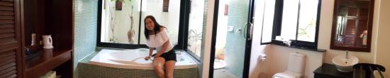 The Kib Resort & Spa: big toilet on villa style