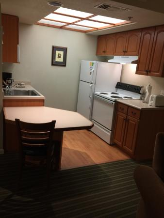 HYATT house Boston/Burlington: Kitchen