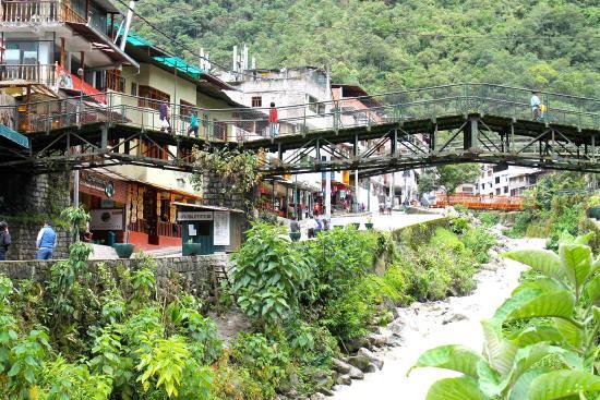 Hostel viajeros: Another view ofAguas Calientes