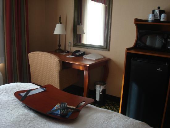 Hampton Inn & Suites Clovis - Airport North: Desk