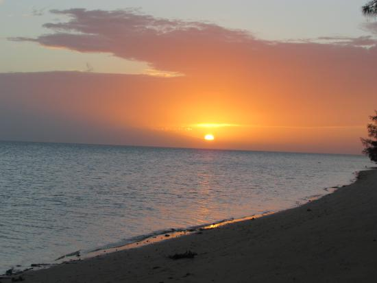 Coral Harbour Beach House and Villas: Coral Harbour Sunset