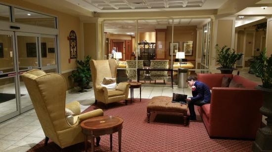 Wyndham Old Town Alexandria: Pre lobby area