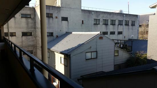 ماتسوبايا ريوكان: It is in a clean and quiet residential area