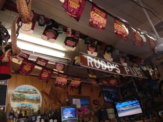 Rudds Pub: Memorabilia at the Bar