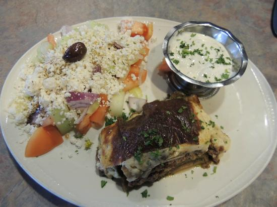 Mykonos Greek Restaurant: Moussaka
