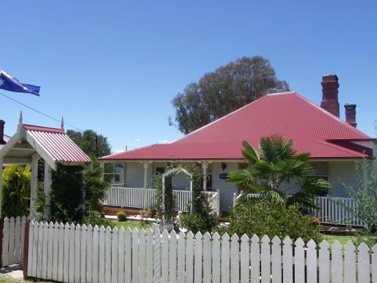 Tenterfield Luxury Heritage Cottage