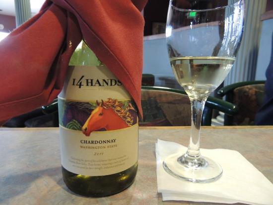 Mykonos Greek Restaurant: Yummy Wine