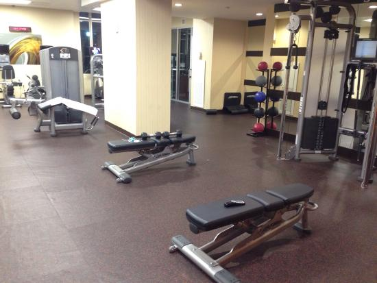 Residence Inn Houston Downtown/Convention Center: Nice gym at the left side!