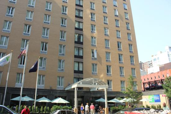 Hotel frontage picture of holiday inn express nyc - Holiday inn express madison square garden ...