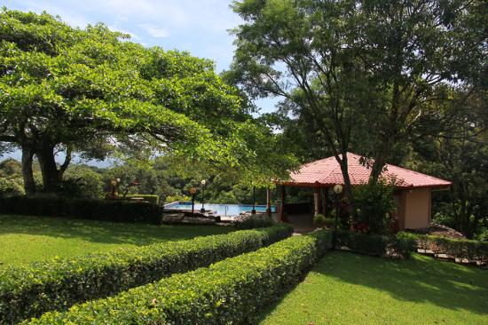 Poco Cielo Resort: to the rancho