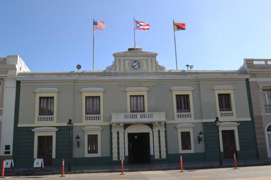 Plaza of Delights (Plaza de las Delicias): Historic City Hall Building