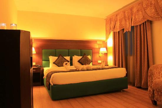 OYO Rooms Brigade Road (Bengaluru) - Guesthouse Reviews, Photos ...