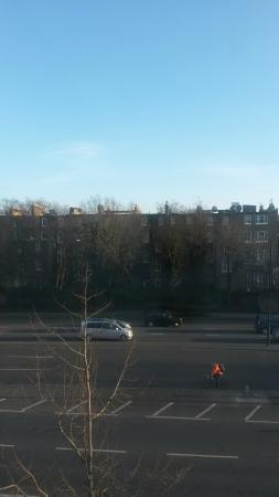 Premier Inn London Kensington (Olympia) Hotel: View from our room, 2nd floor