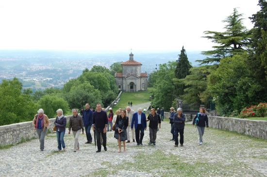 Rancio Valcuvia, Italia: Visita guidata al Sacro Monte di Varese