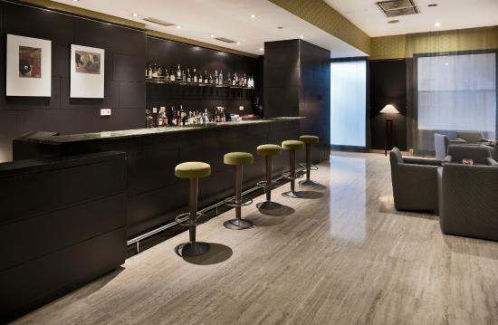 NH Ciudad de Valladolid: Bar