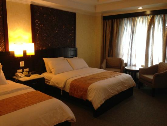 MO2 Westown Hotel Bacolod - Downtown: premium deluxe room