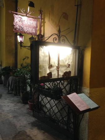 Sant'Eufemia: cartello con menu'