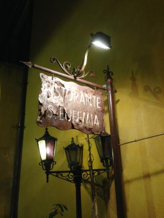 Sant'Eufemia: insegna ferro  battuto