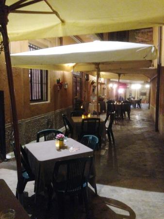 Sant'Eufemia: tavoli esterni